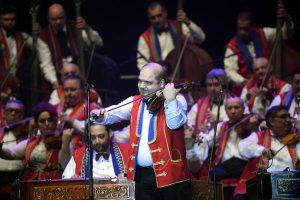 I 100 violini zigani in concerto